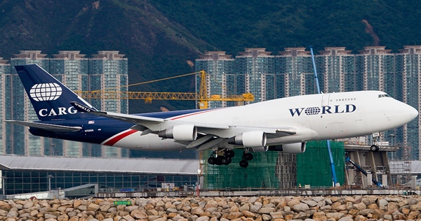 World Airways 747 landing at Hong Kong